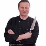 Bernd mit Küchenmesser