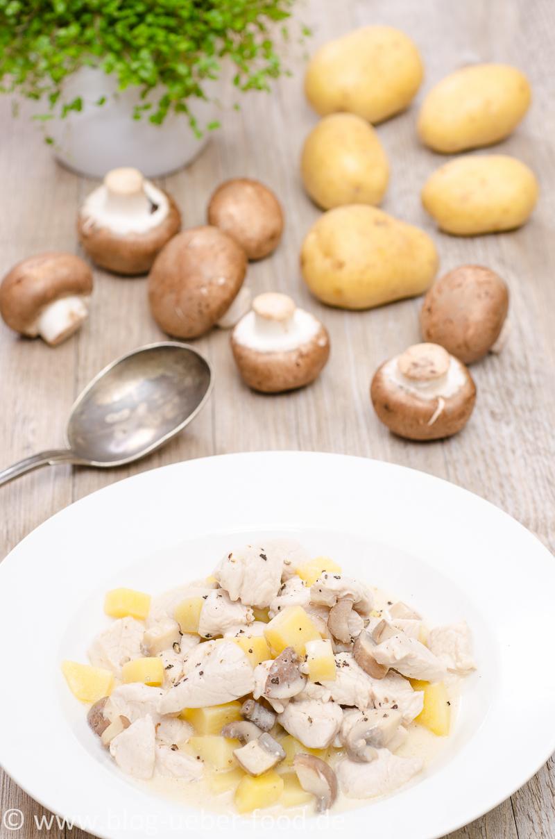 Puten-Frikassee mit Champignons und Kartoffeln
