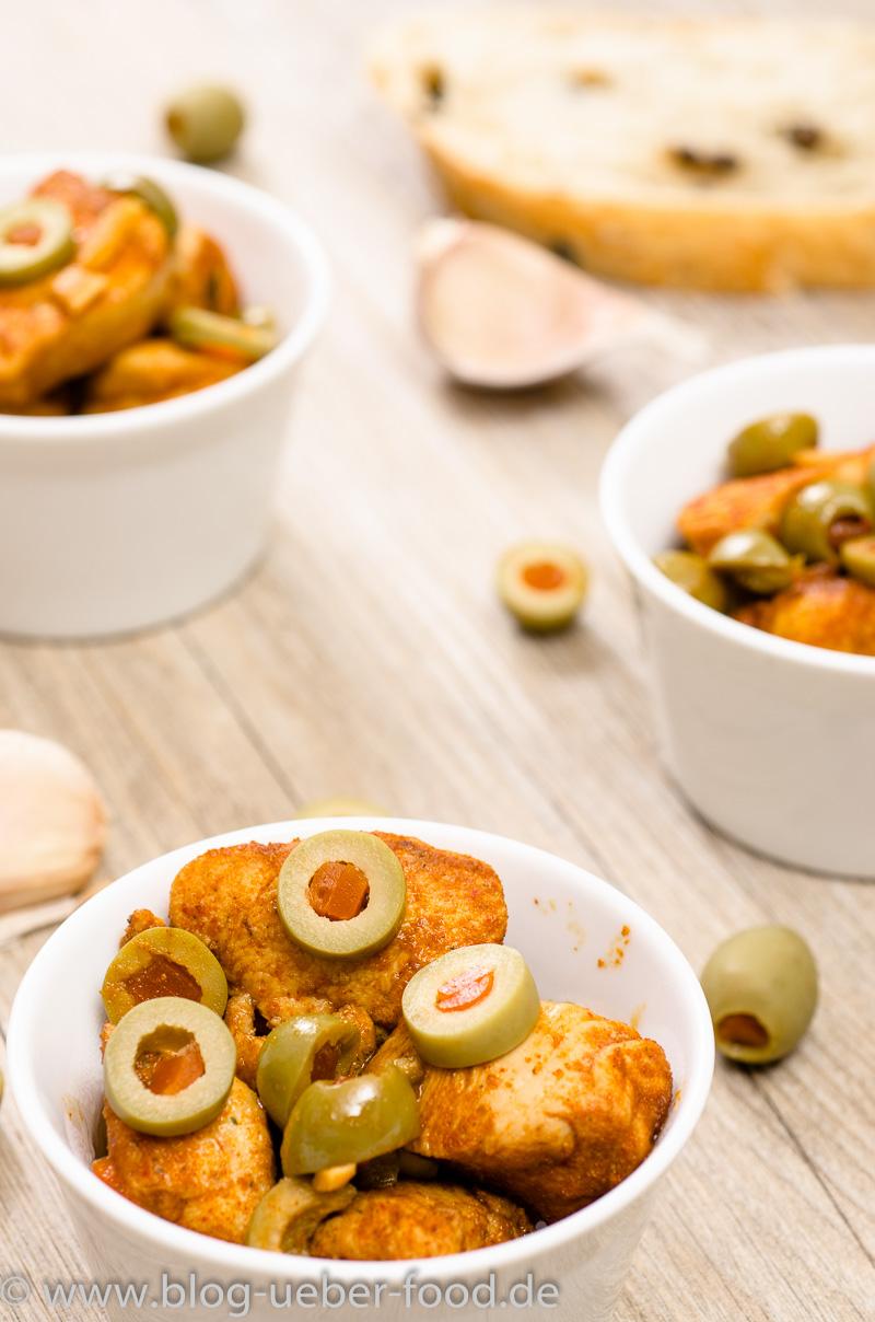 Hühnerbrust mit Sherry und grünen Oliven