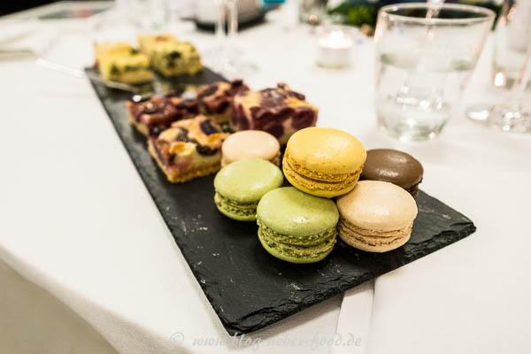 Kuchen und Macarons