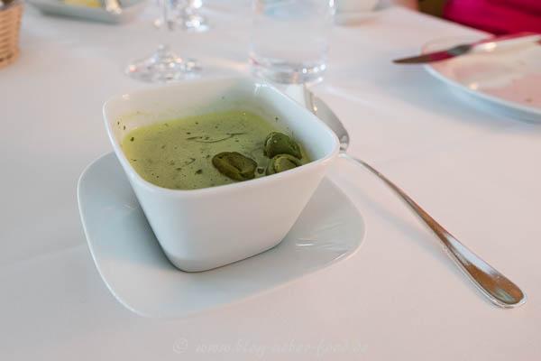 Neun-Kräuter-Suppe
