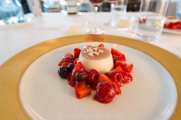 Latte Mandorla - Marinierte Erdbeeren - Vanilleglace