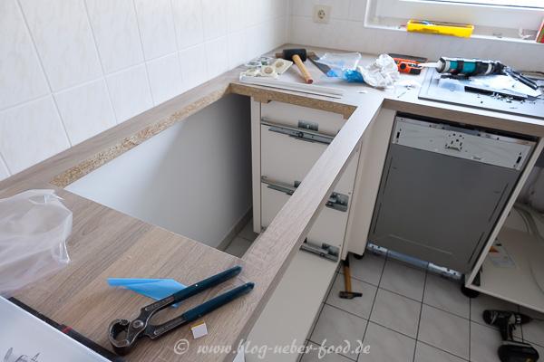Montage der neuen Küche