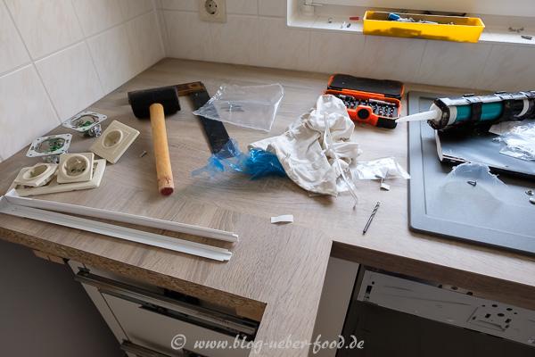 Werkzeug beim Einbau der neuen Küche